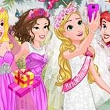 Игра Одевалка Четырех Принцесс Диснея